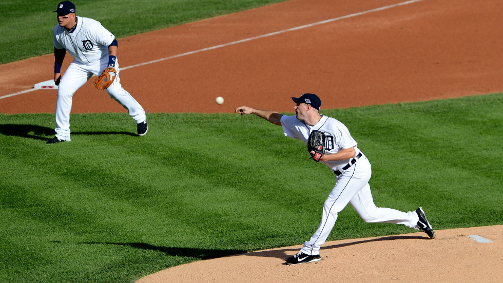 Max Scherzer of the Detroit Tigers throws a pitch against the New York Yankees on Thursday.