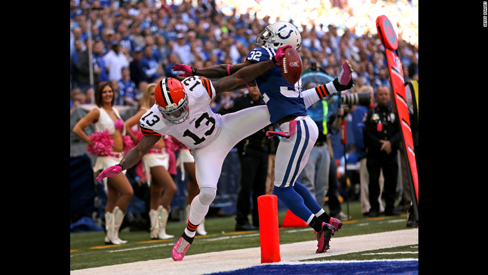 Cassius Vaughn of the Colts knocks T.Y. Hilton out of bounds on Sunday.