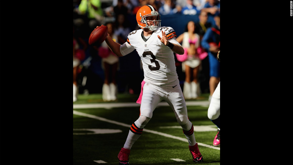 Cleveland's Brandon Weeden throws a pass on Sunday against the Indianapolis Colts.