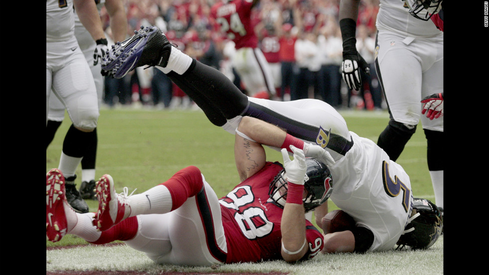 Connor Barwin of the Texans sacks Ravens quarterback Joe Flacco for a safety.