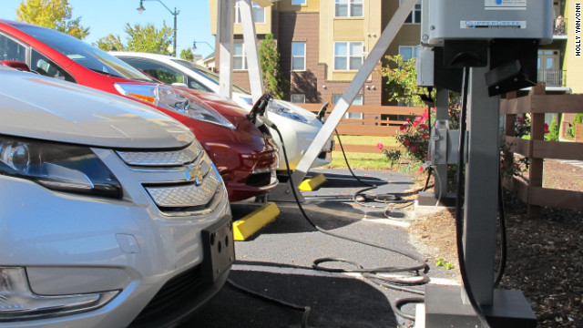 Several Cars Top Off At An Atlanta Charging Station Drivers Say They Hope More Stations