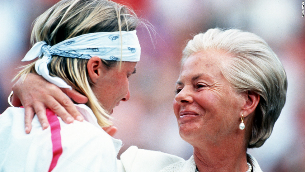 Great chokes are not confined to the golf course. There wasn't a dry eye on Centre Court as Czech tennis star Jana Novotna sobbed uncontrollably on the shoulder of the Duchess of Kent after losing the 1993 Wimbledon women's singles final to Steffi Graf. Novotna led 6-7 6-1 4-1 before collapsing and allowing Graf to take the title. Novotna did eventually win a grand slam, beating Venus Williams in the 1998 Wimbledon final.