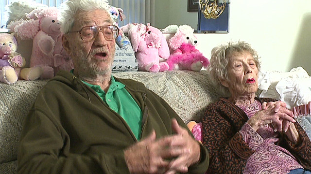 mn man saves elderly couple from burning car_00000318