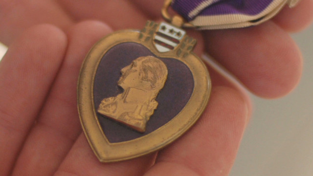 Citizen soldier reunites Purple Hearts