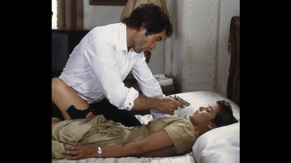 Bond girl Pam Bouvier, played by Carey Lowell, works as a pilot and assists Bond in his mission in 1989