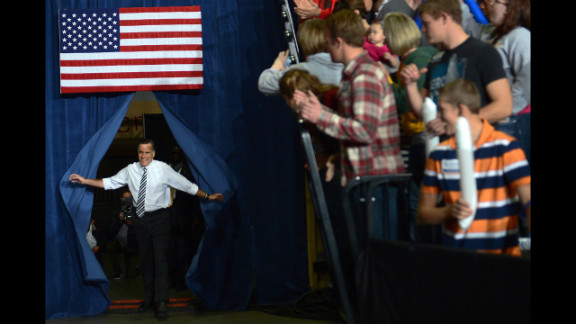 Romney arrives at Sunday