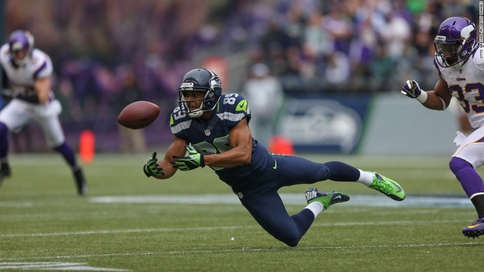Wide receiver Doug Baldwin of the Seahawks drops a pass against the Vikings on Sunday.