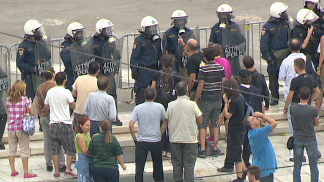 Greek protesters allege police brutality