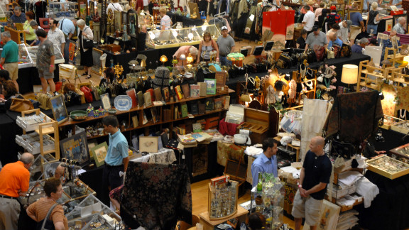 Randolphstreetmarket.com; one weekend a month (dates vary). Advance-purchase admission $8, day-of admission $10.