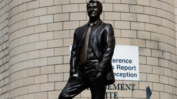A number of other English clubs have commissioned artworks to remember former managers, notably Bobby Robson, who managed a number of clubs including Ipswich Town, Barcelona and Newcastle United as well as England. This statue of Robson is outside Newcastle United