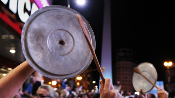 """A """"cacerolazo"""" takes place against the Fernandez government in Buenos Aires Thursday."""