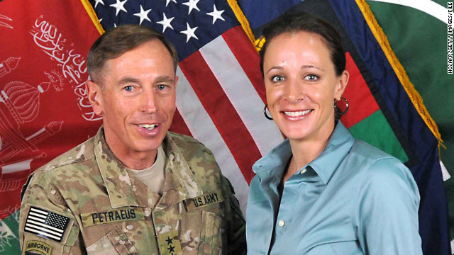 More details emerge in Petraeus scandal