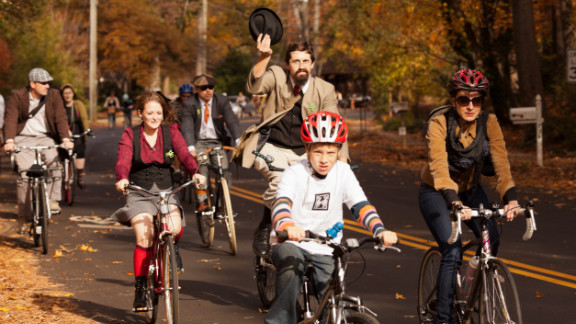 The four-mile ride started in downtown Decatur and made two stops at a local coffeehouse and bar, where cyclists stopped to enjoy food and conversations with fellow riders.