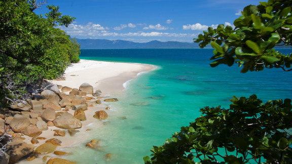 Australian eco-tour operator, Small World Journeys, is staging a Tropical Island Eclipse trip that includes luxury accommodation on the gorgeous Fitzroy Island adjacent to the Great Barrier Reef. Stargazers will watch the eclipse from the island paradise