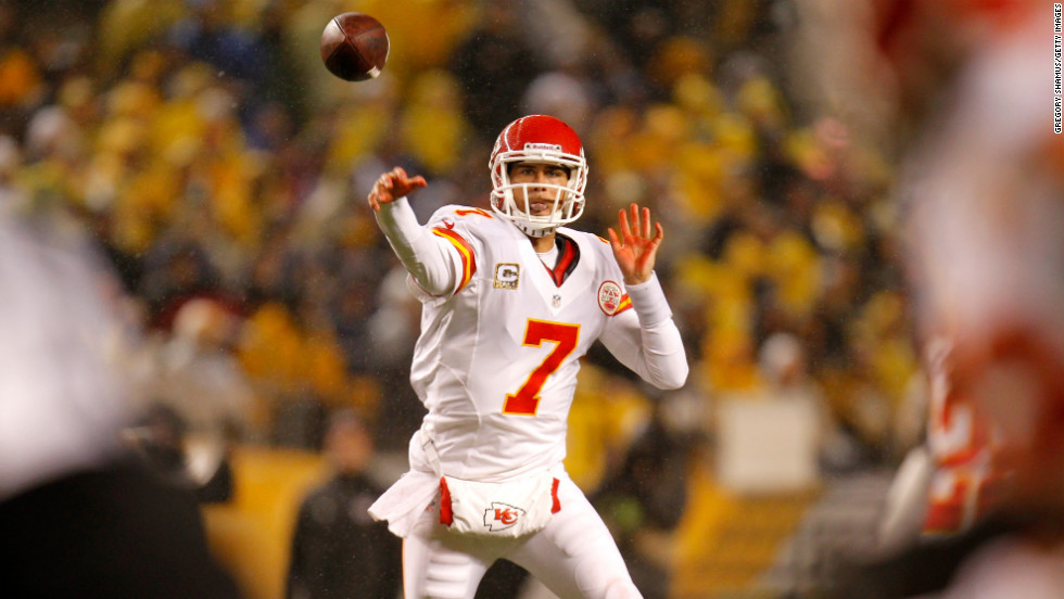 Matt Cassel of the Kansas City Chiefs throws a pass during Monday night's game against the Pittsburgh Steelers.