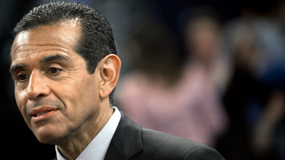 Weeks after separating from his wife, Los Angeles Mayor Antonio Villaraigosa acknowledged he had been having an affair with a local television reporter.