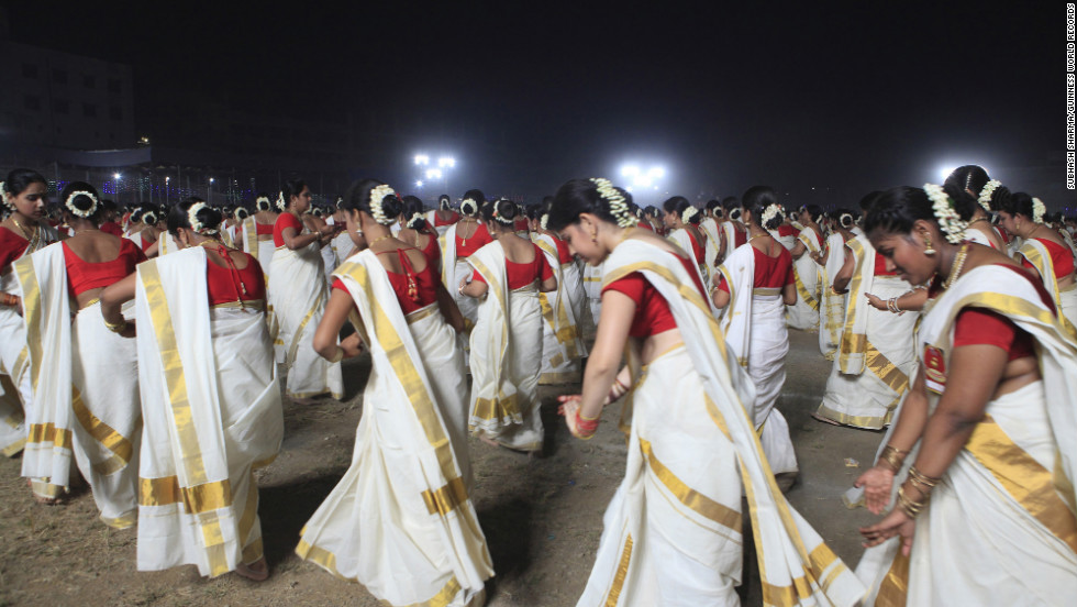 Normally, when women from Kerala, India, dance the kaikottikali, there's only eight or 10 of them, clapping and creating circular patterns. This year, 2,639 women danced the kaikottikali and set a world record.
