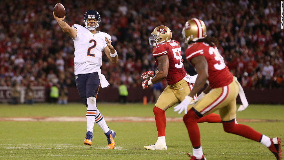 Quarterback Jason Campbell of the Bears throws a touchdown pass in the third quarter of Monday night's game against the 49ers.
