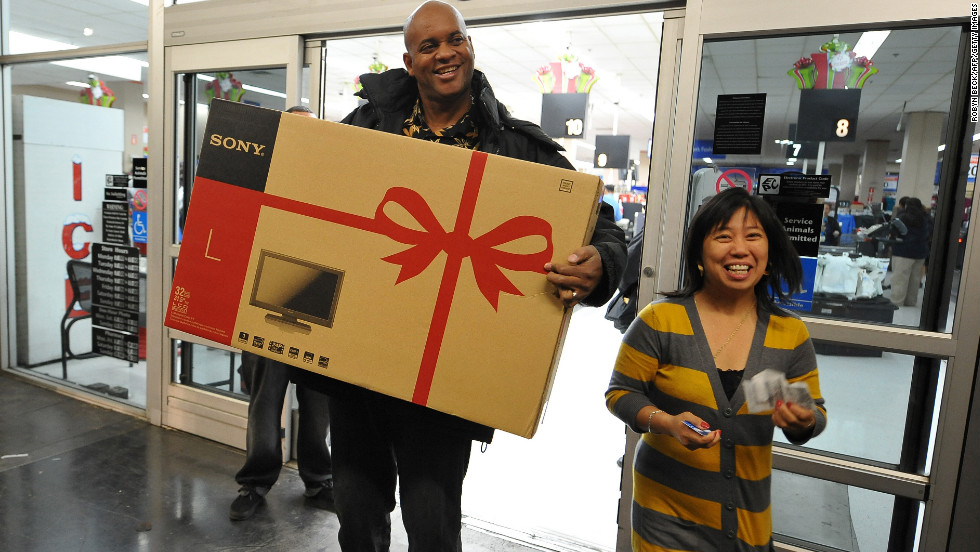 Bobby (left) and Daisy Whitley scored a large, high definition TV on their 2009 Black Friday trip to a Los Angeles, California Wal-Mart.