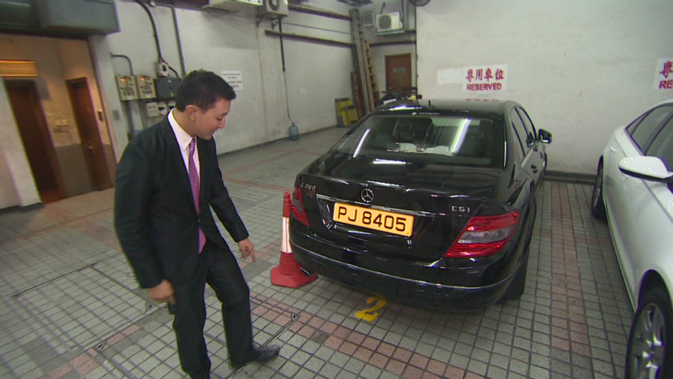 A Hong Kong executive recently offered to buy this parking space for $640,000. CNN takes a look at the most expensive cities for parking.