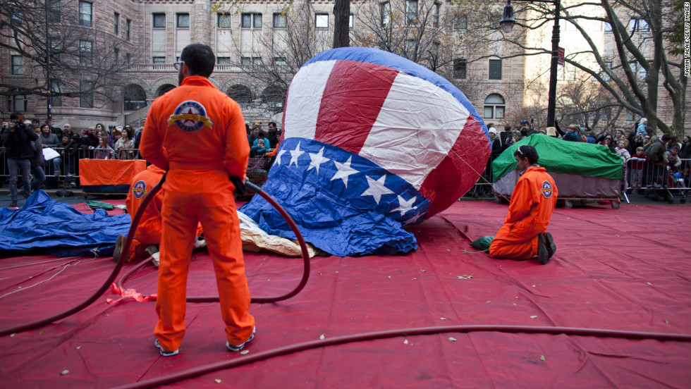 Parade staffers inflate an Uncle Sam balloon in Manhattan's Upper West Side on Wednesday, November 21.