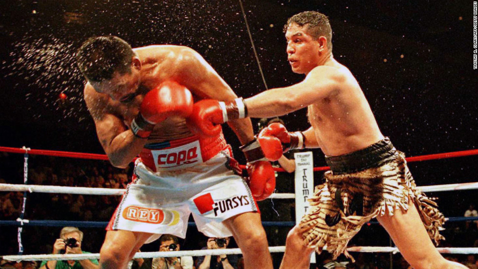 Champion boxer Hector 'Macho' Camacho dies after shooting - CNN