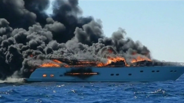 Florida yacht catches fire and burns