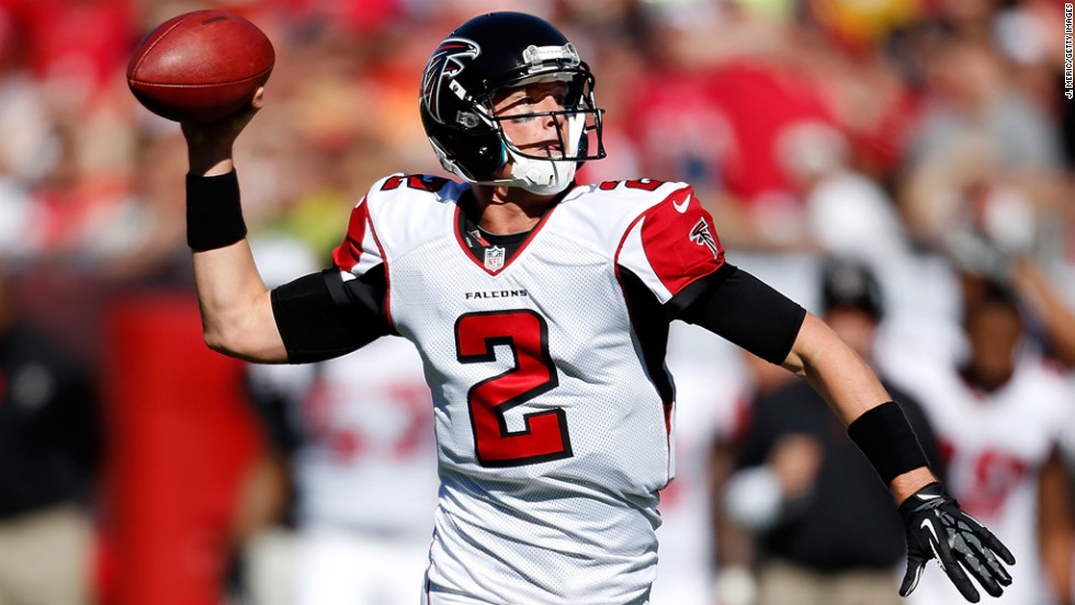 Quarterback Matt Ryan of the Falcons throws a pass against the Buccaneers on Sunday.