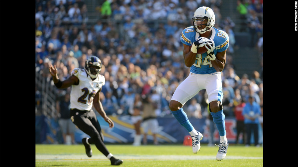 Danario Alexander of the Chargers makes a catch in front of safety Emanuel Cook of the Ravens on Sunday.