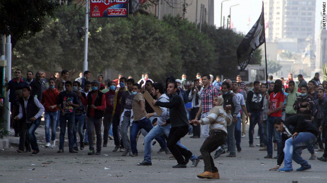 Egypt on the edge after Morsy power grab