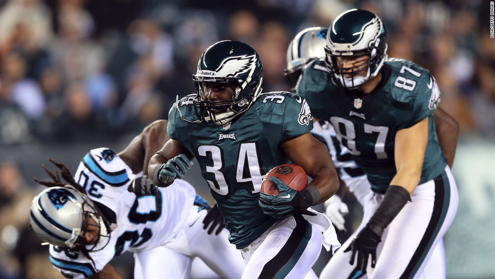 Bryce Brown of the Philadelphia Eagles carries the ball during Monday night's game against the Carolina Panthers.
