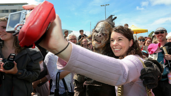"""""""Hobbit"""" fans are treated to the sight of orcs wandering the streets of New Zealand"""