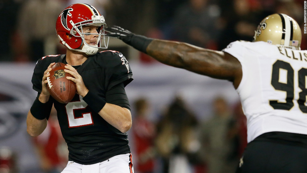 Matt Ryan of the Atlanta Falcons looks to pass against the New Orleans Saints on Thursday.