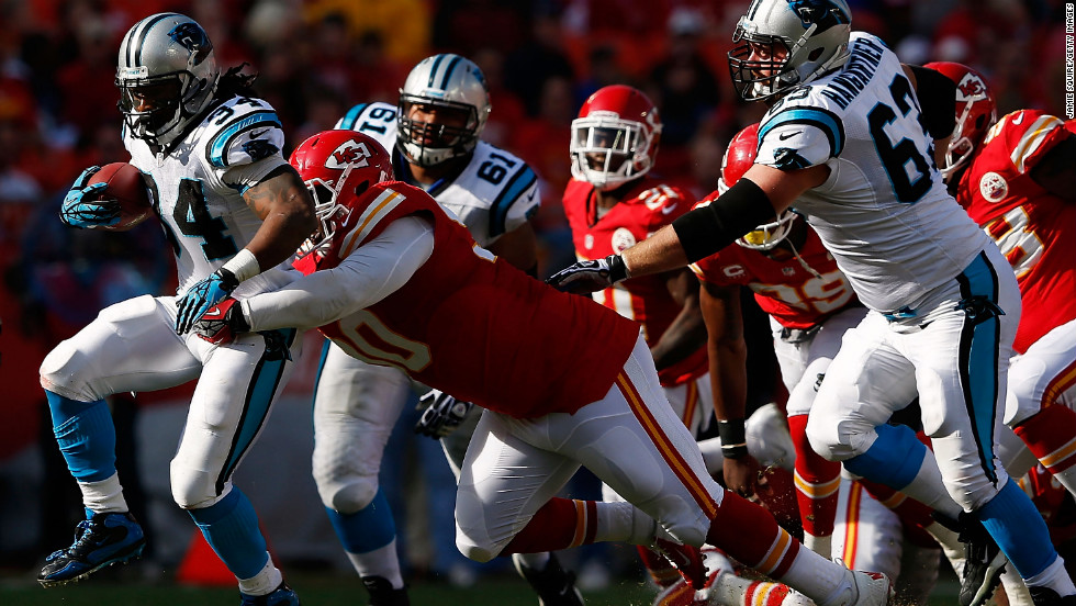 Running back DeAngelo Williams of the Carolina Panthers carries the ball upfield on Sunday.