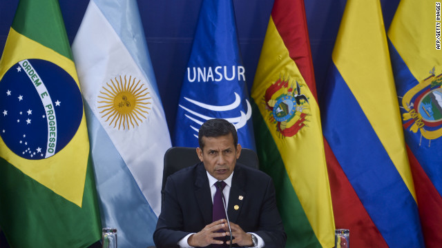 Peruvian President Ollanata Humala speaks during a press conference at the end of the UNASUR summit in Lima, on November 30, 2012