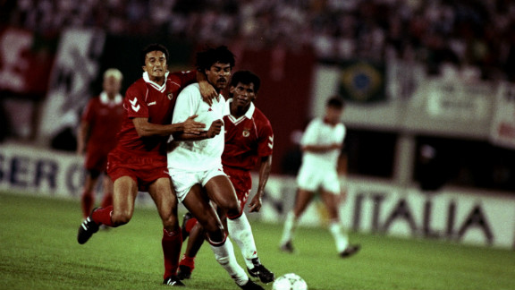 Before the 1990 final against AC Milan in Vienna, Eusebio prayed for forgiveness at Guttmann