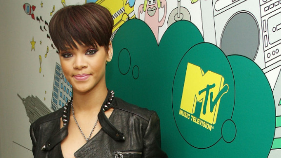 """In June 2008, Rihanna once again visits """"Total Request Live."""""""