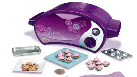 Hasbro's Easy-Bake Ultimate Oven