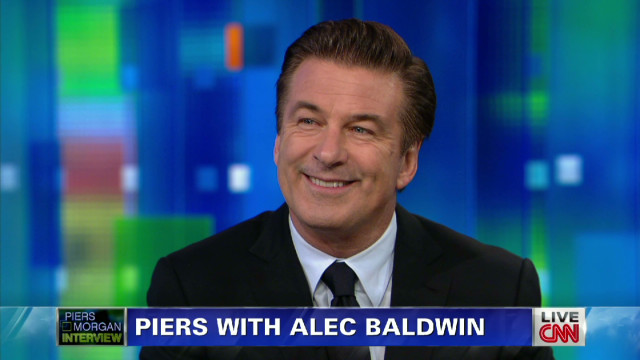 Baldwin: Wish I could flush paparazzi