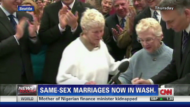 Gay couple marries thanks to new law