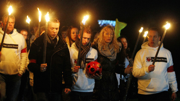 Relatives of the late linesman took part in a silent march in his memory in Almere the previous day.