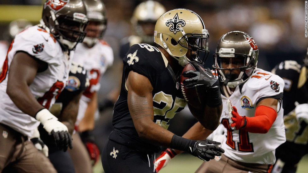 Rafael Bush of the Saints intercepts a ball against the Buccaneers on Sunday.