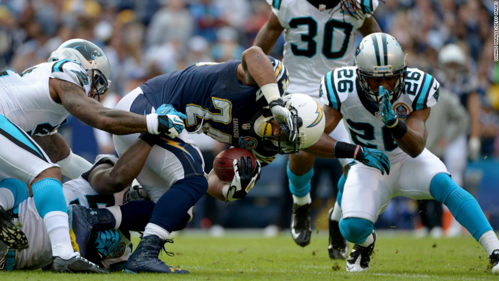Ryan Mathews of the Chargers runs the ball against the Panthers on Sunday.