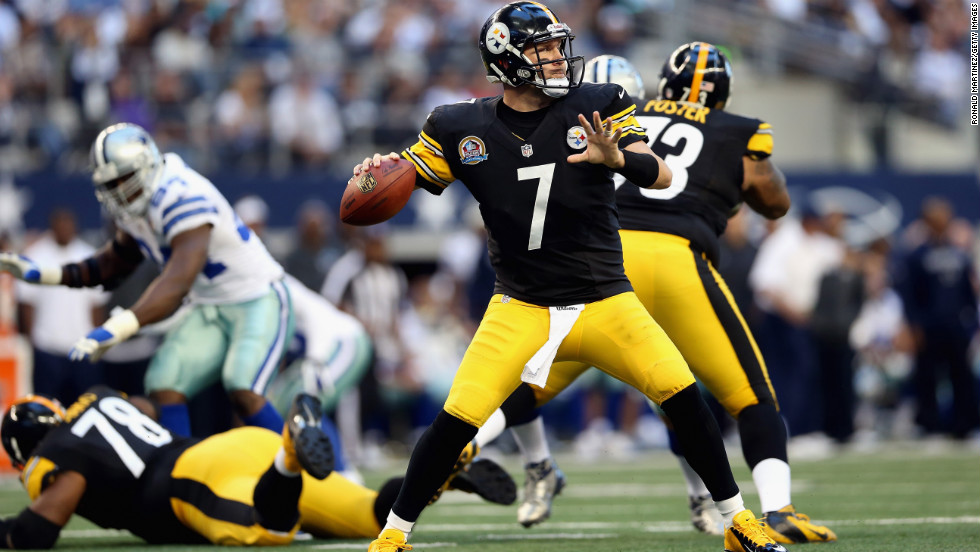 Ben Roethlisberger of the Steelers throws the ball against the Cowboys on Sunday.