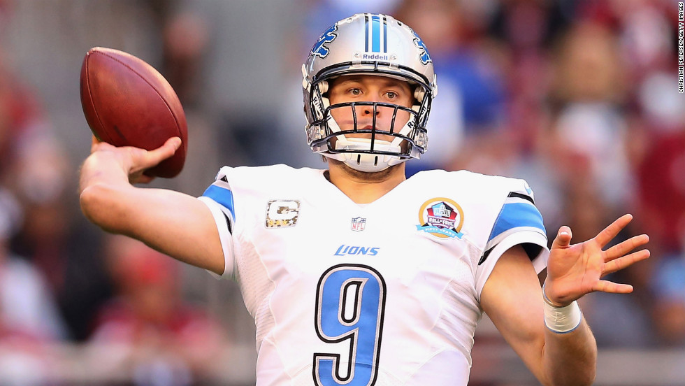Quarterback Matthew Stafford of the Lions throws a pass against the Cardinals on Sunday.