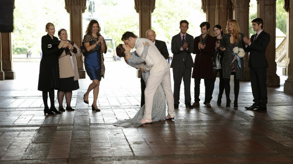 """The CW's """"Gossip Girl"""" did well in the ratings with its final episode."""