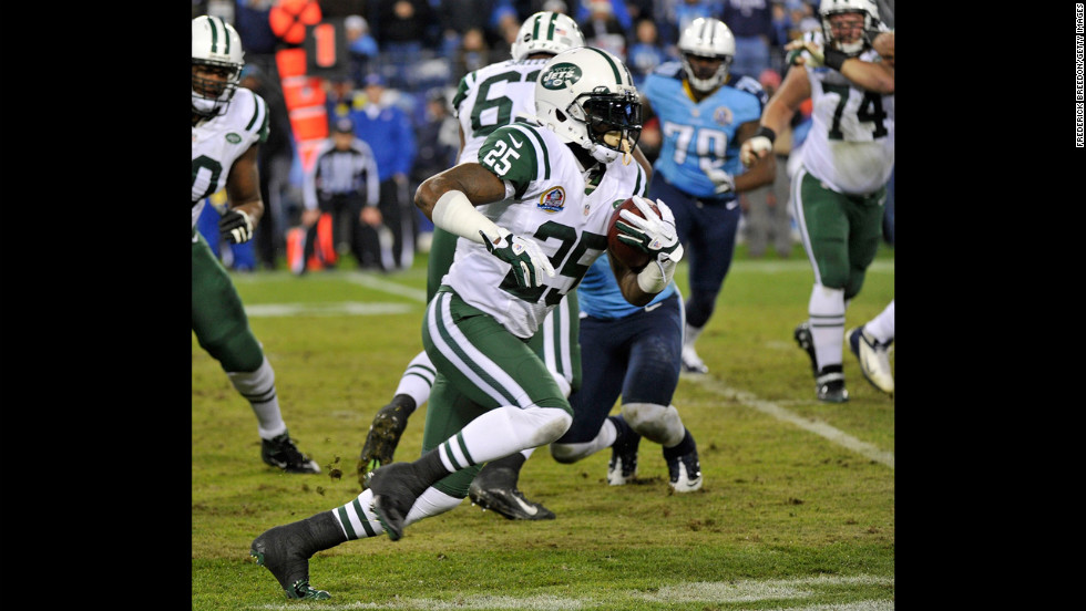 Jets running back Joe McKnight rushes against the Titans on Monday.