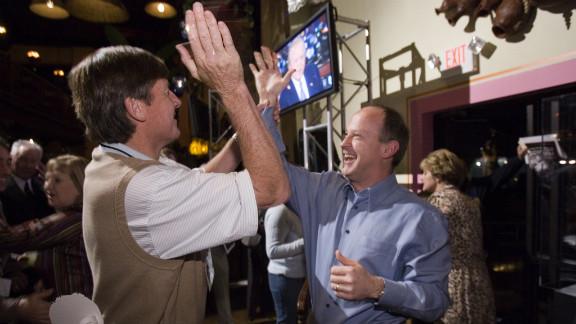 Craig Sager and Walton share a moment at CNN