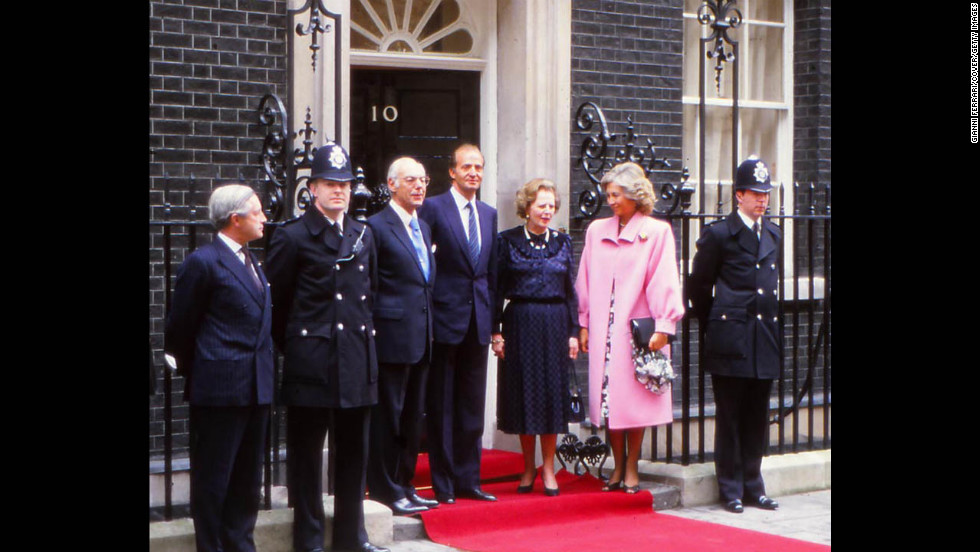 Thatcher receives Spain's King Juan Carlos and Queen Sofia at 10 Downing Street in April 1986.