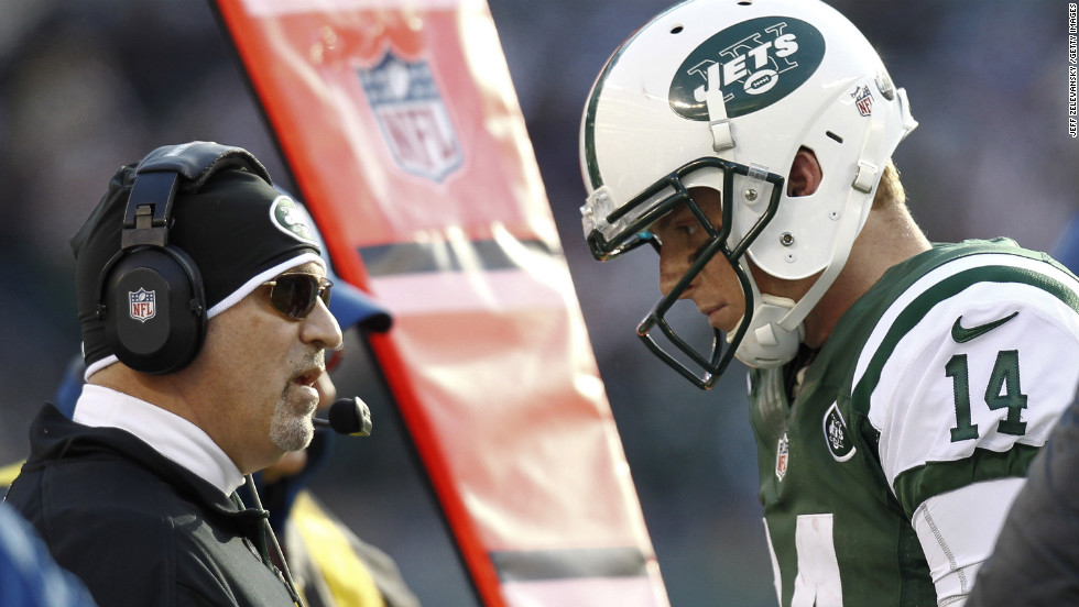 Greg McElroy talks to Tony Sparano, offensive coordinator of the Jets, in their game against the Chargers on Sunday.